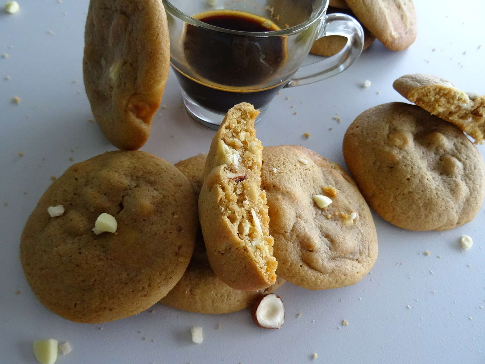 Cookies moelleux chocolat blanc – noisettes